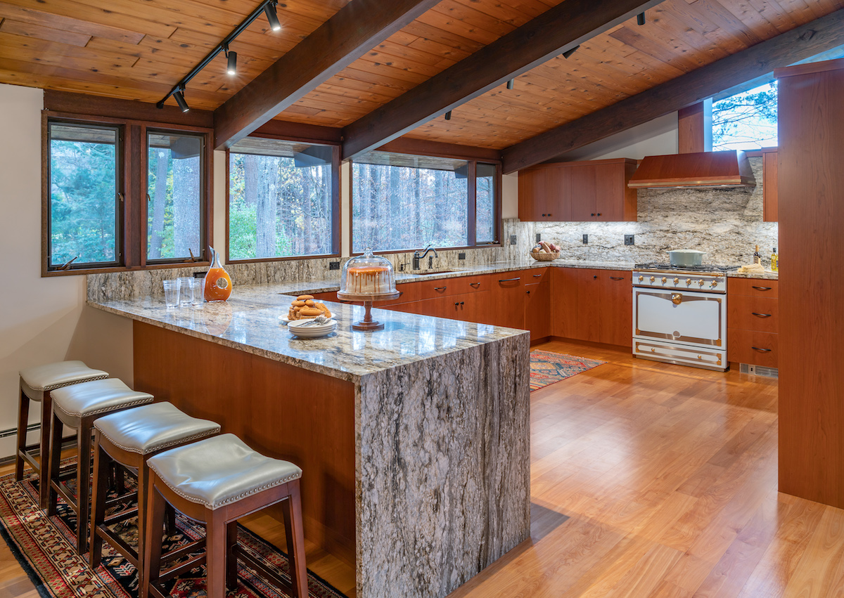 expert-design-tips-to-improving-homes-form-function-kitchen-renovation