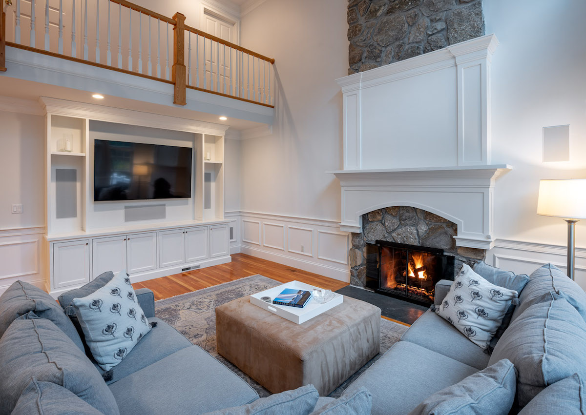 expert-guide-to-improving-homes-form-and-function-family-room